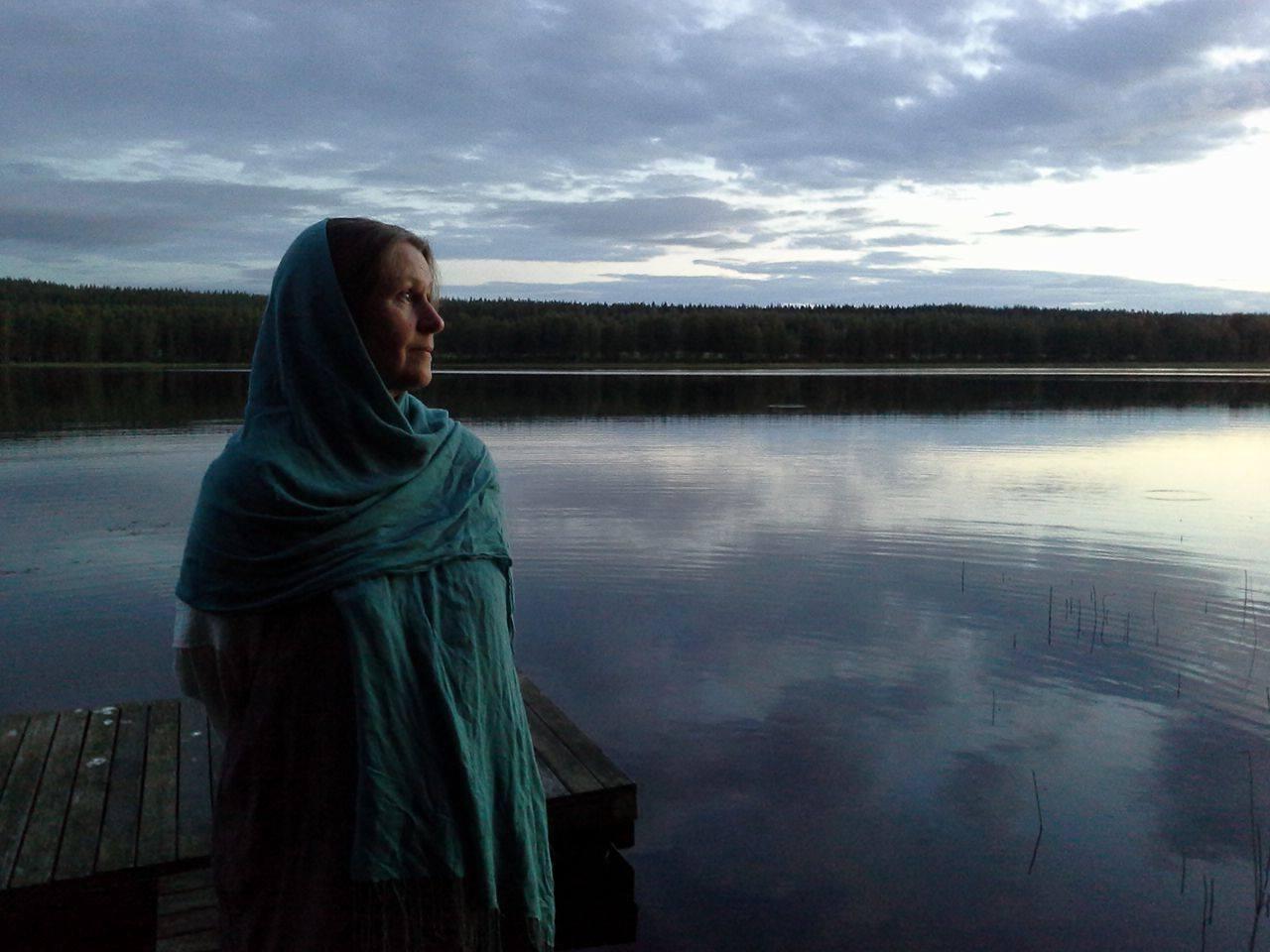 Teija Enoranta ja Joginin vastaanotto Tampereella Jooga- ja hyvinvointi Kehräämössä